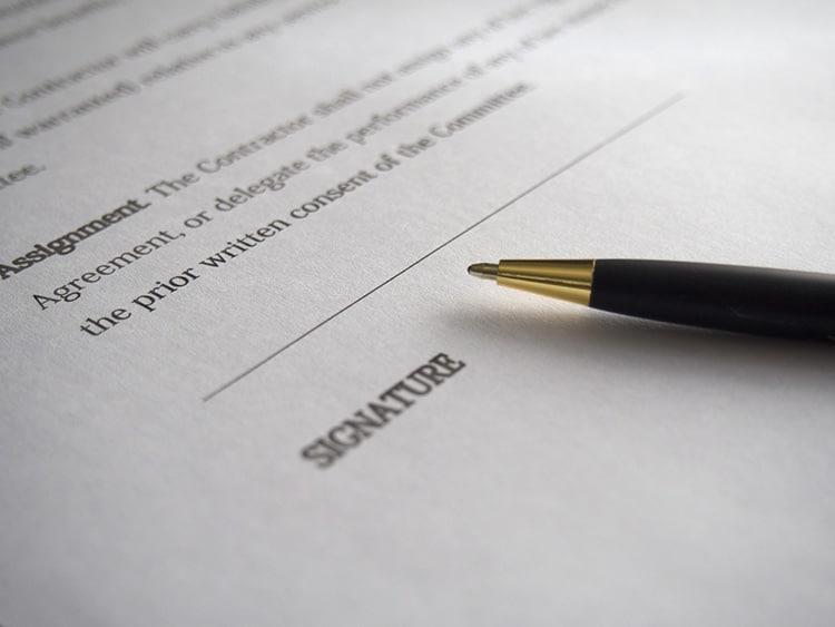 Signature d'un rachat de crédit